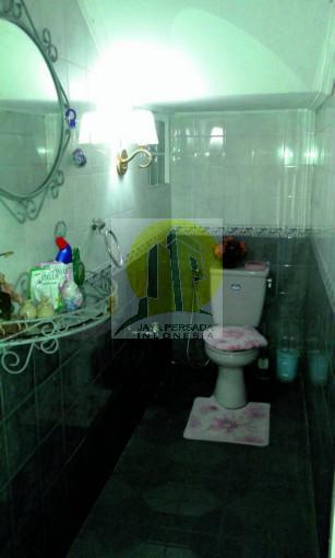 Kamar Mandi Rumah Mewah Pondok Indah.jpg