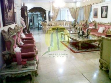 Ruang Keluarga rumah luas di Tebet.jpg