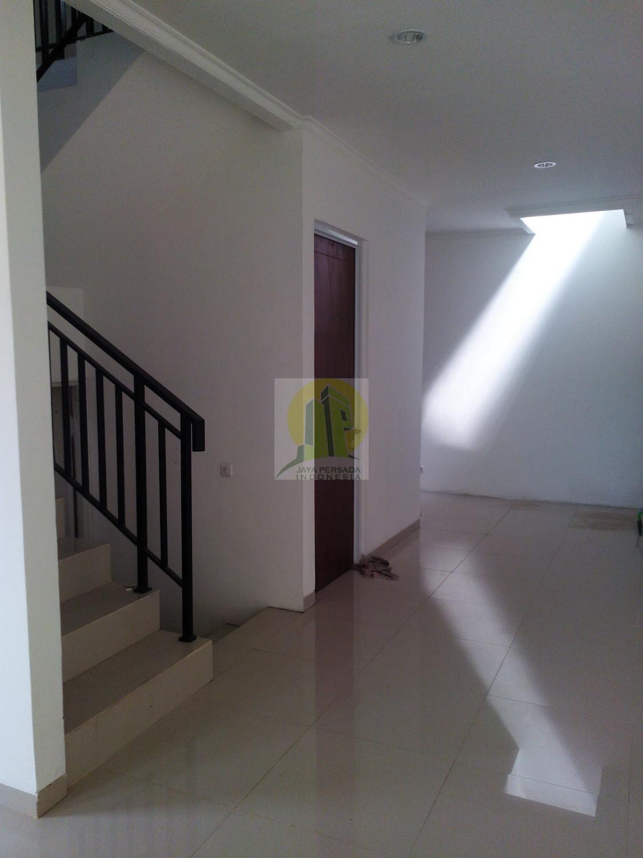 jual rumah minimalis 2 lantai di jatiwaringin.jpg