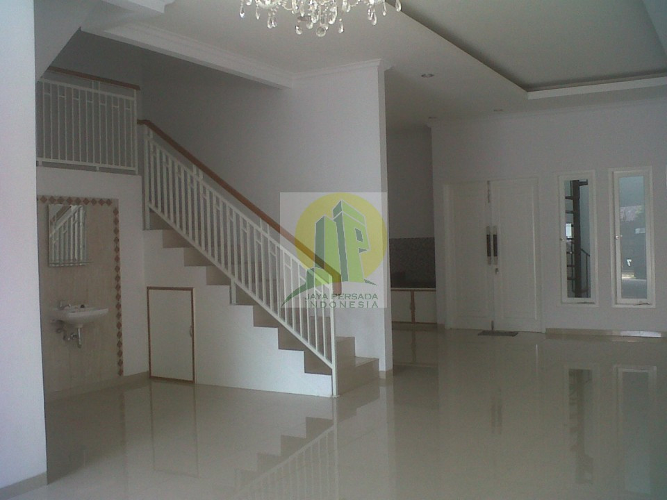 Ruang Tengah Rumah Baru Bekasi Barat.jpg