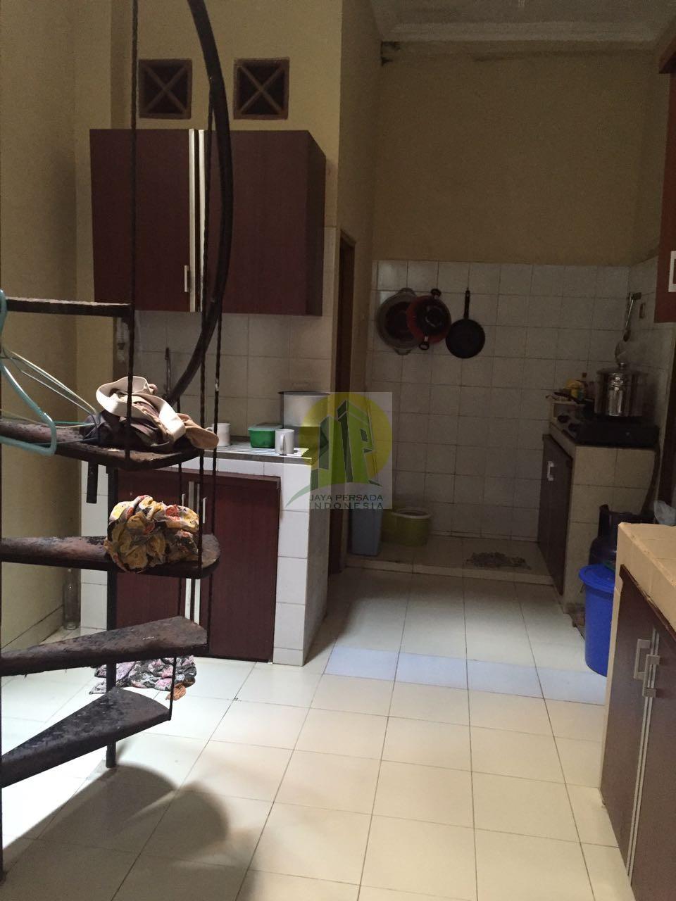 Ruang Belakang Rumah di Sawangan Depok.jpg