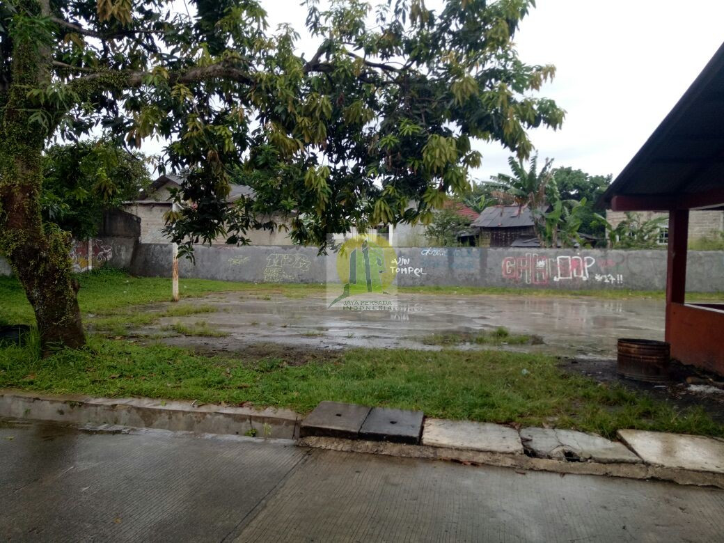 Depan Rumah Rumah Second Murah Strategis dekat Walikota Tangsel