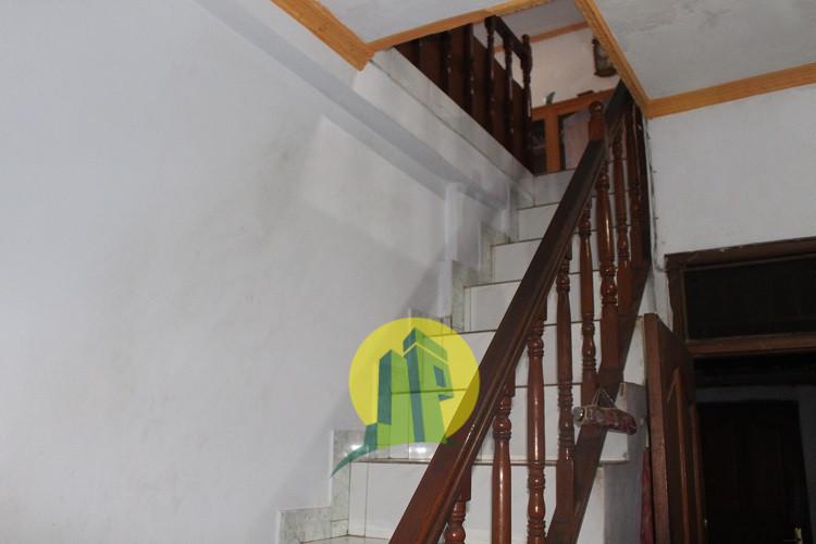 tangga ke lantai 2
