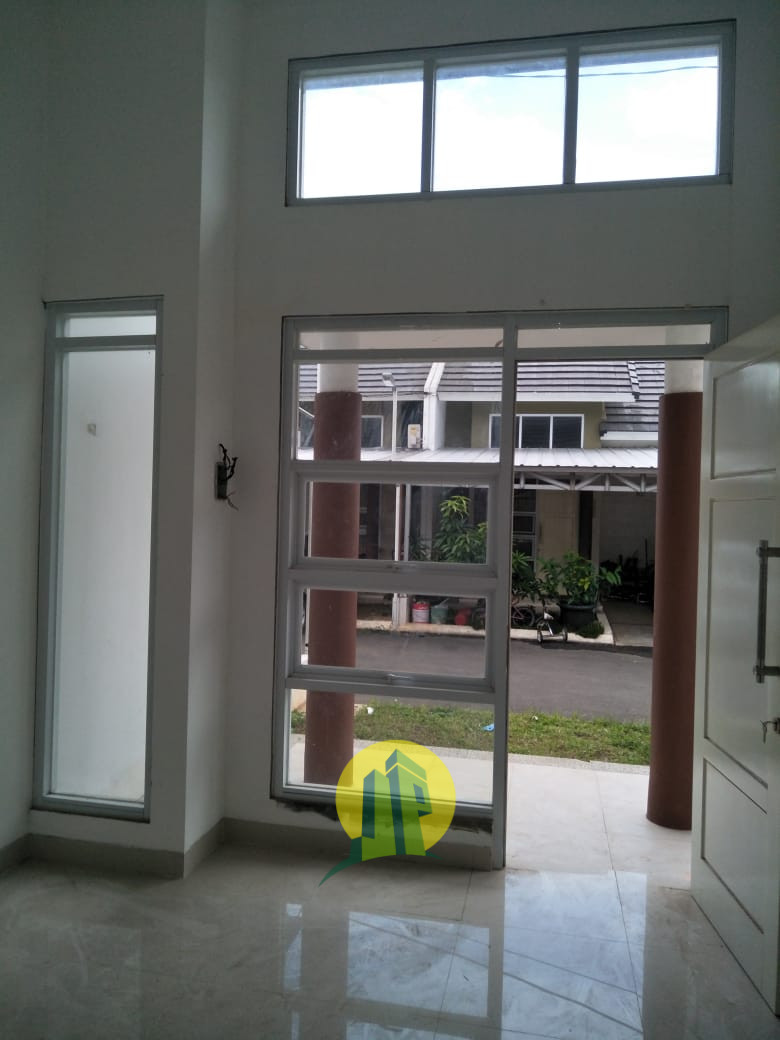 Rumah Cantik  berada di jalur utama, Jatiwarna-Cibubur