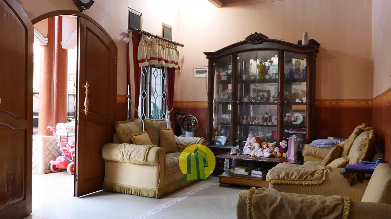 Ruang Tamu RUMAH MEWAH HARGA MURAH SIAP HUNI LOKASI STRATEGIS Di Ciracas Cibubur Jakarta Timur