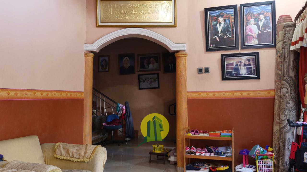 RUMAH MEWAH HARGA MURAH SIAP HUNI LOKASI STRATEGIS Di Ciracas Cibubur Jakarta Timur